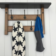 5 Hook hat and coat rack with shelf