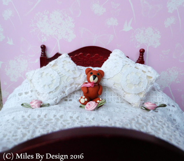 1:12 Scale Cream Lace Dolls House Bedding Set with Polymer Clay Teddy Bear