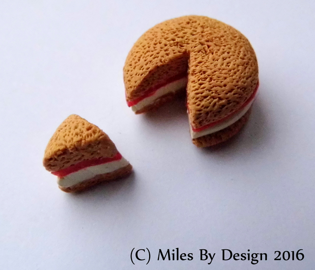 Victoria Sponge Cake for Dolls House - Miniature - Polymer Clay - Food