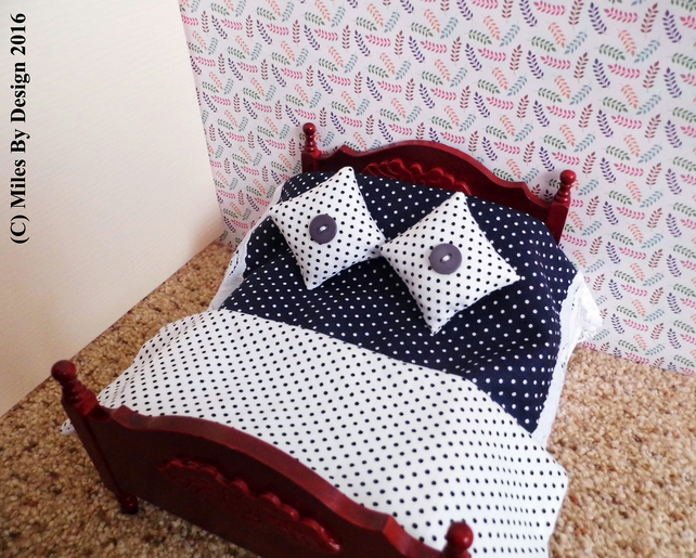 1:12 Scale White & Blue Polka Dot Dolls House Bedding Set