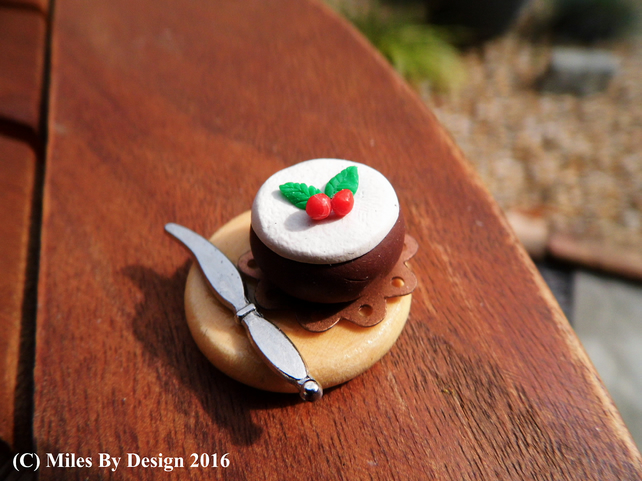 Miniature Dolls House Christmas Cake