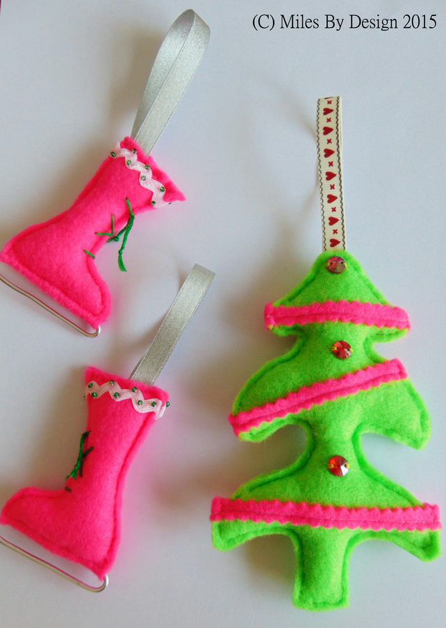 Ice Skating Boots and Xmas Tree Hanging Set
