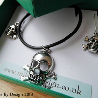 Skull and Crossbones Necklace & Earrings Set