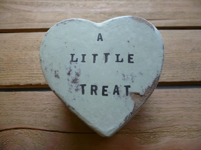 A little heart box for a special treat