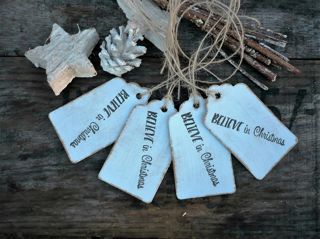 Gift tags with believe in christmas