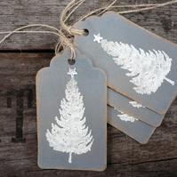 Gift tags with embossed christmas tree