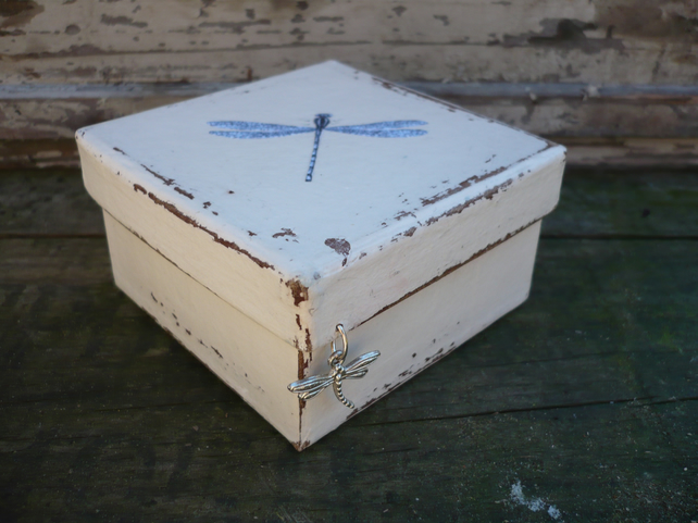 Gift box with dragonfly charm