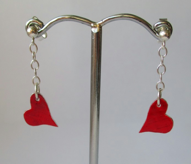 Tiny silver red heart earrings - free UK postage