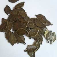 50 x Iron Pendants - 24mm - Leaf - Antique Bronze