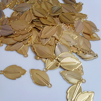 50 x Iron Pendants - 24mm - Leaf - Golden