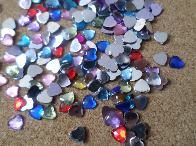 50 x Acrylic Rhinestones - 6mm - Heart - Mixed Colour
