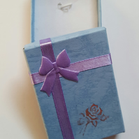 1 x Cardboard Jewellery Gift Box - 7cm - Bow & Rose Design - Purple