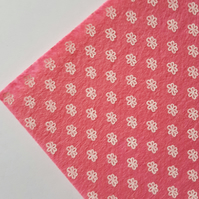 "1 x Printed Felt Square - 12"" x 12"" - Flowers - Pink"