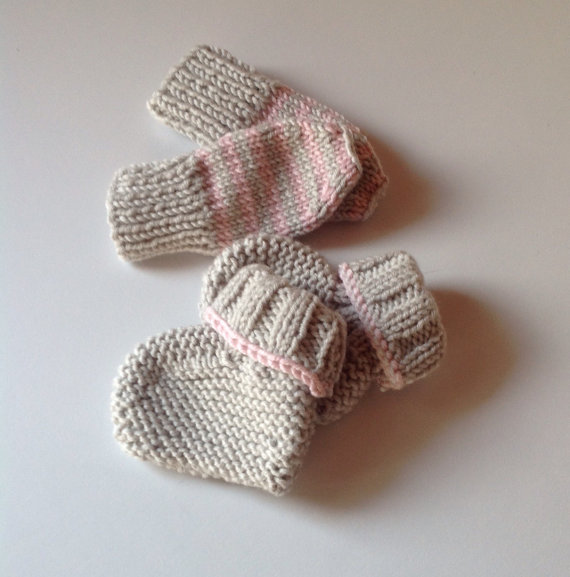 Hand Knitted Newborn Booties and Mitts in Cashmere Merino