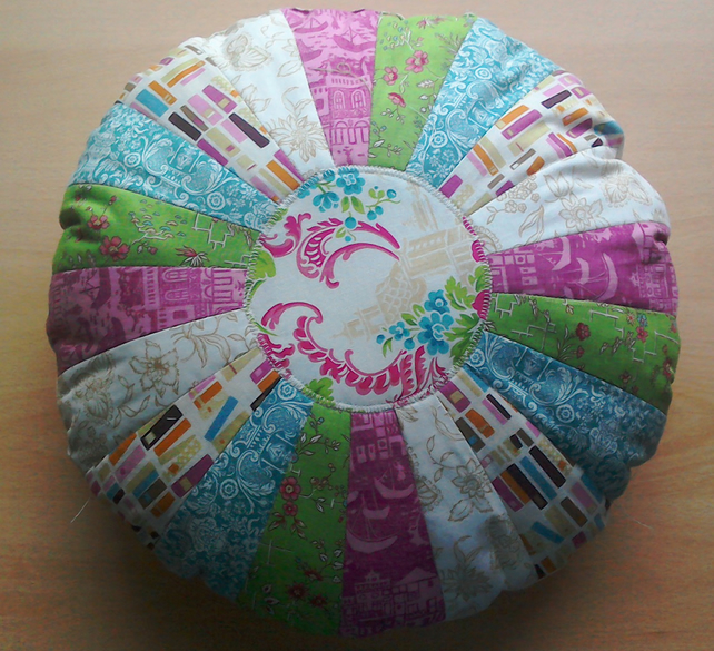Round patchwork cushion