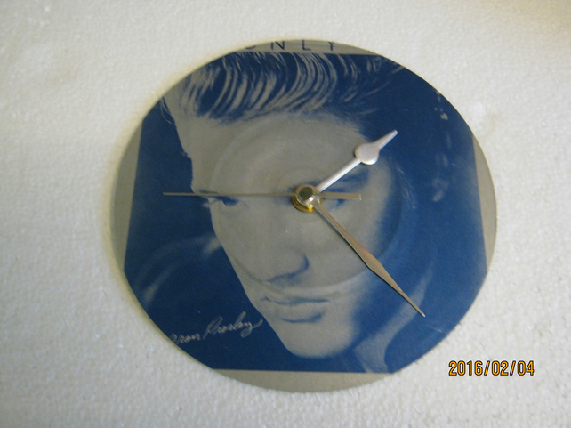 "Elvis Presley - ""It's Only Love"" 7"" Vinyl Record Sleeve Wall Clock"