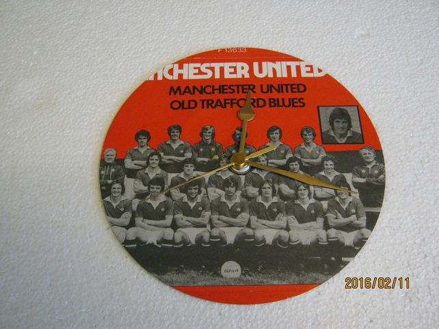 "Manchester United F.C. - ""Manchester United"" 7"" Vinyl Record Sleeve Wall Clock"