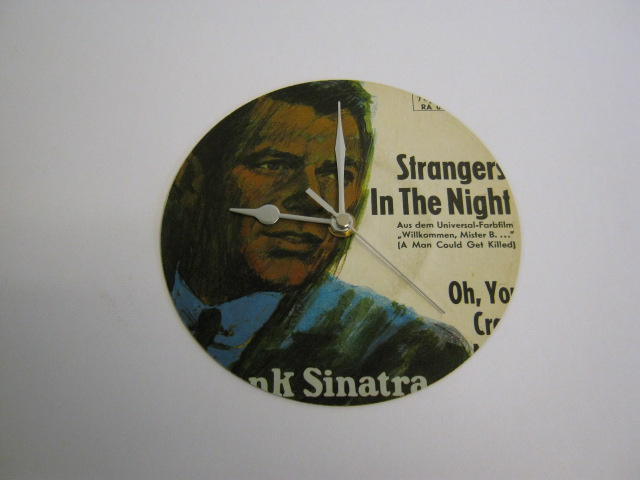 "Frank Sinatra ""Strangers In The Night"" 7"" Vinyl Record Sleeve Wall Clock"