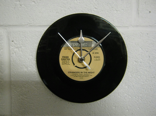 "Frank Sinatra - ""Strangers In The Night"" 7"" Vinyl Record Wall Clock"