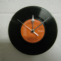 "Elvis Presley - ""Can't Help Falling In Love"" 7"" Vinyl Record Wall Clock"