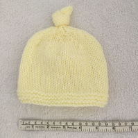 Lemon baby pull on hat, 0-6 months