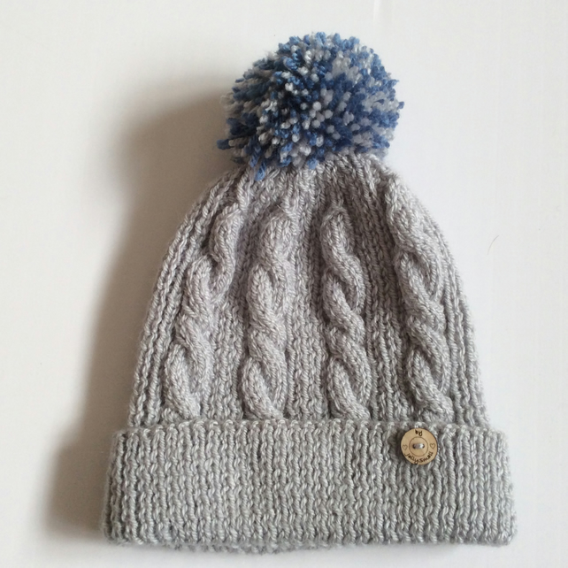 Kid's Bobble hat to fit age 4 - 7 years