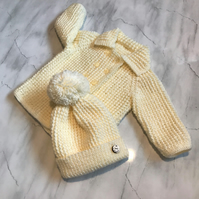 Baby Coat and Hat set in cream 0-6mths approx
