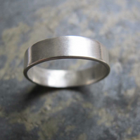 Men's silver wedding band