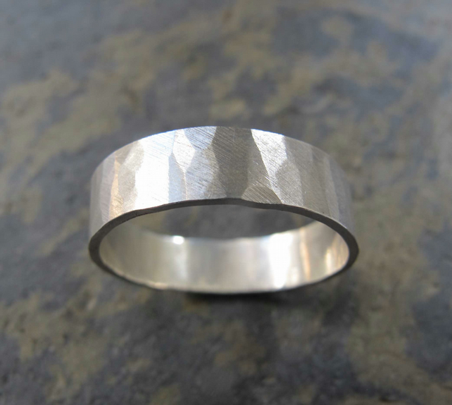 Men's hammered silver wedding band