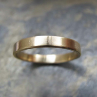 Women's gold wedding ring