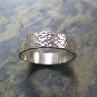Men's hammered texture silver wedding band