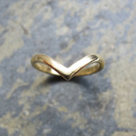 Wishbone shaped gold band ring - V shaped gold wedding ring