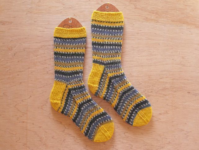 Hand knitted socks, blue tit, MEDIUM size 5-7