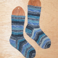 WINTER SALE: hand knitted socks SMALL size 4-5