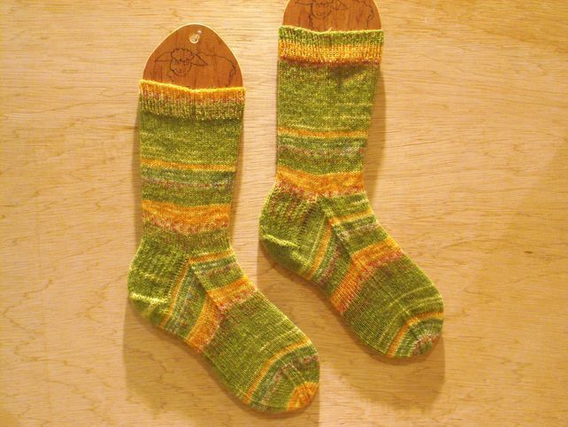 Hand knitted socks, MEDIUM, size 5-7
