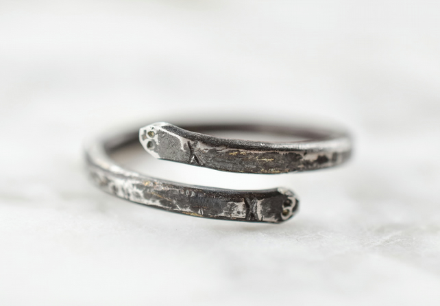 Men's Snake Ring in Hand-forged Steel