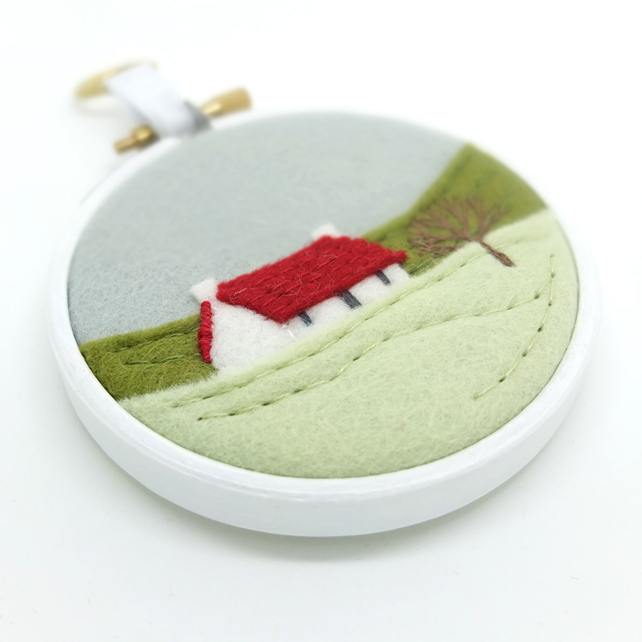 Winter Landscape Cottage Red Roof Embroidery Hoop Textile Art FREE UK POSTAGE