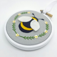 "Bumble Bee Textile Art in 3"" Embroidery Hoop (Silver Grey) FREE UK POSTAGE"