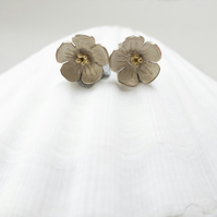 butter cup stud earrings