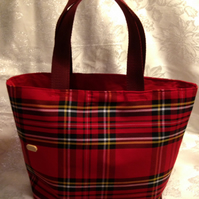 Tartan tote bags made to order
