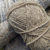 Undyed Pure Wool Chunky Yarn – Natural Coloured Beige – 50g Ball