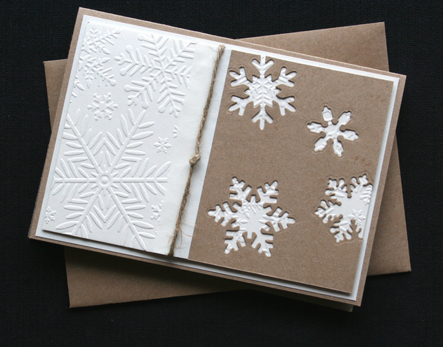 Krafty Cream Snowstorm - Handcrafted Christmas Card - dr16-0058