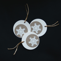 Cream Embossed Bubble Flakes - Handcrafted Christmas Gift Tags - dr16-0083