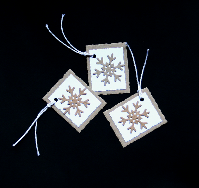 Krinkly Kraft Flakes- Handcrafted Christmas Gift Tags - dr16-0090