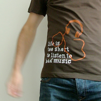 'Bad Music' - MEDIUM - brown men's t-shirt