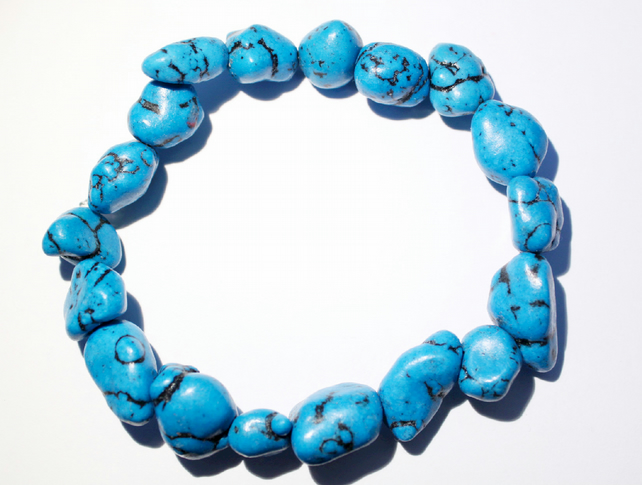 Dyed turquoise howlite gemstone chunks elasticated stacking mens bracelet