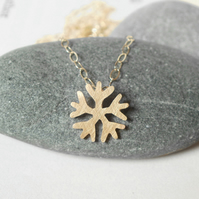 snowflake necklace in 9ct yellow gold