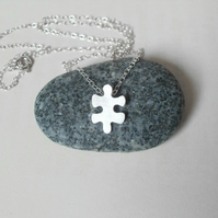 jigsaw puzzle necklace in sterling silver, version 3