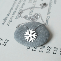 snowflake necklace in 18ct white gold