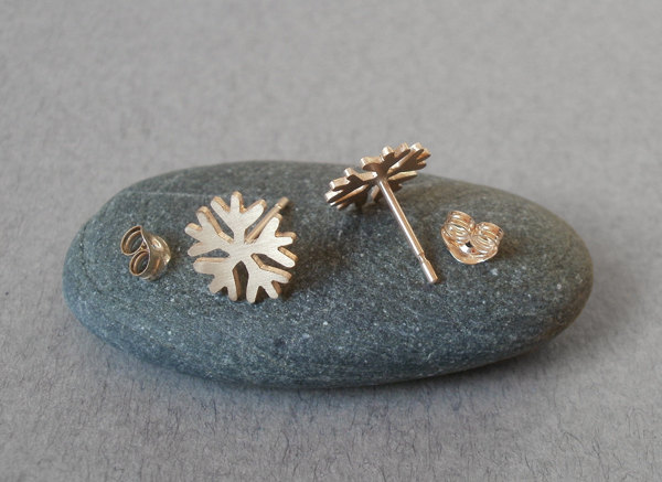 snowflake earring studs handmade in 9ct yellow gold
